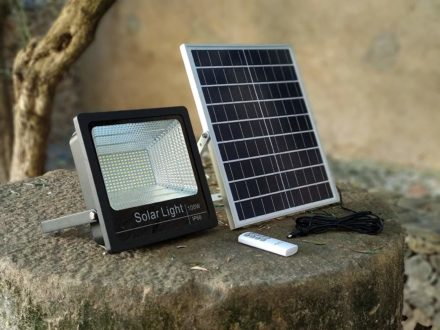 Luz Reflector Solar Led 100w Panel Autónomo Ahorro energia 6