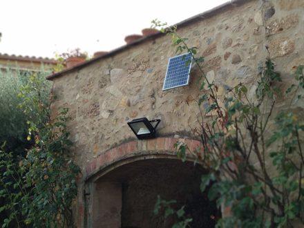 Luz Reflector Solar Led 100w Panel Autónomo Ahorro energia 5