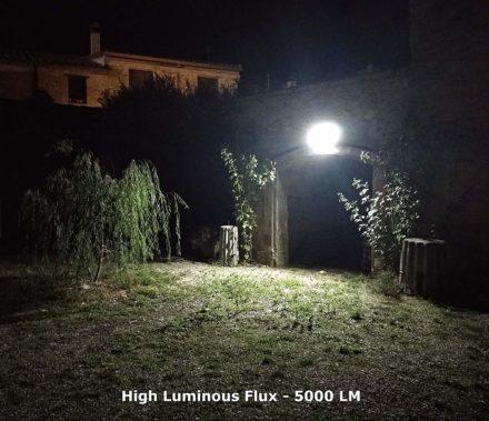 Luz Reflector Solar Led 100w Panel Autónomo Ahorro energia 4